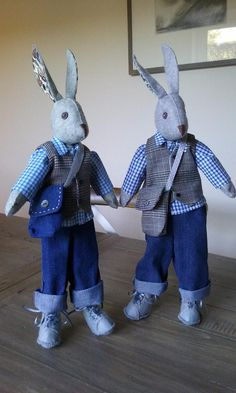 Making Luna Lapin: Sew and Dress Luna, a Quiet & Kind Rabbit with Impeccable Taste Soft Toys Making, Rabbit Crafts, Little Cotton Rabbits, Fabric Postcards, Fabric Animals, Baby Crafts, Fabric Dolls, Handmade Toys, Doll Toys