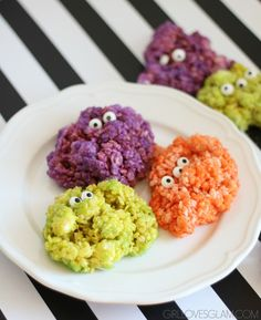 Delicious monster rice krispie treats recipe that is perfect for Halloween or…