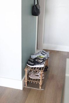 Dica de organização e limpeza – Sapateira no hall de entrada