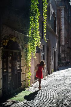 Good Morning Rome by Andrea LD on Here you relax with these backyard landscaping ideas and landscape design. Beautiful World, Beautiful Places, Beautiful Pictures, Beautiful Streets, Places Around The World, Around The Worlds, Rome Florence, La Trattoria, Cities