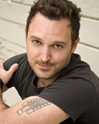 Jason Liebrecht How is this guy both Yato AND Mitsuhide? Steve Blum, Snow White With The Red Hair, Syaoran, Fender Telecaster, Talent Agency, Voice Actor, Texans, Butler, The Voice