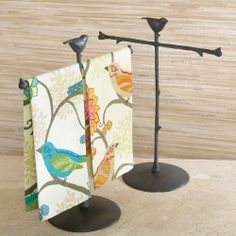 bird towels with bird stand