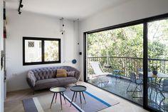 המרפסת כחלק מחלל המגורים (צילום: אביעד בר נס)