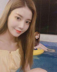 Image may contain: 2 people, closeup Yuri, Ulzzang Korean Girl, Japanese Girl Group, Pop Idol, Nanami, The Wiz, Our Girl, Sweet Girls, Mini Albums