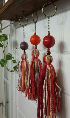 Diy Tassel, Tassel Jewelry, Textile Jewelry, Tassels, Crafts To Do, Arts And Crafts, Paper Crafts, India Crafts, Christmas Makes