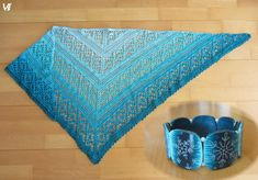Krásný lehce vánoční háčkovaný šátek a náramek od paní Věrky Šulcové.