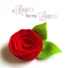 Make your own wool felt rose pin/hair clip using @HeatherBailey's Designer wool felt.for Valentine's Day! #sweetlifestudios #craft #valentine