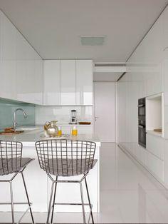 • Zone d`intervention: sur 185 m2 • Emplacement: Estoril, Lisbonne, Portugal • Projet de Décoration