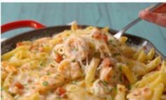 Garlicky Shrimp Alfredo Bake is full of all your favorite flavors. Fish Recipes, Seafood Recipes, Cooking Recipes, Healthy Recipes, Recipies, Tasty Videos, Food Videos, Seafood Dishes, Pasta Dishes