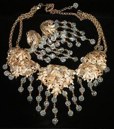 Vtg Rare 1950's Sig Napier Crystals Dangles Gold Filigrees Necklace  Earrings Sold for $ 159