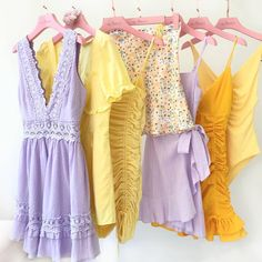Bored of you wardrobe RN? 😅 Time to toss out the boring shades and work in some lush lilacs, and butter yellows in your weekend edit! Date Outfits, Night Outfits, Summer Outfits, Fashion Mumblr, Fashion Outfits, Fashion Design, Cute Casual Outfits, Retro Outfits, Lover Dress