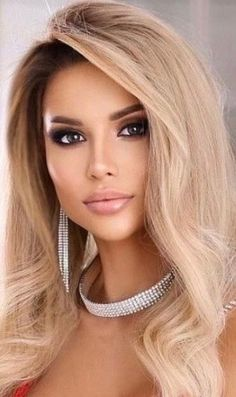 Pretty Eyes, Beautiful Eyes, Blonde Beauty, Hair Beauty, Hot Blonde Girls, Prom Hairstyles For Long Hair, Model Face, Celebrity Hairstyles, Woman Face