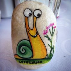 Turtle Painting, Pebble Painting, Pebble Art, Stone Painting, Painted Garden Rocks, Painted Rocks Craft, Hand Painted Rocks, Rock Painting Patterns, Rock Painting Ideas Easy