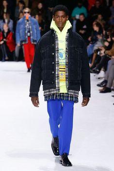 Balenciaga Fall 2018 Ready-to-Wear Collection - Vogue