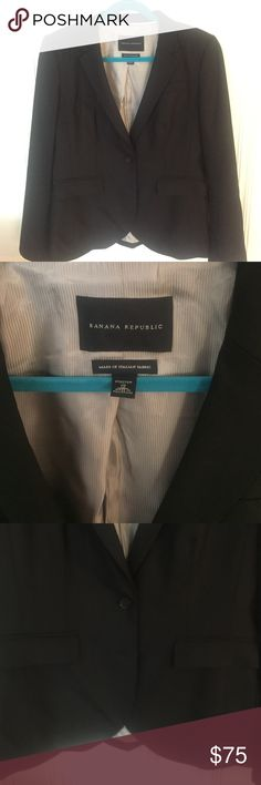Banana republic suit jacket/blazer, size 12, GUC Banana Republic suit jacket/blazer, size 12, VGUC, no real signs of wear, it's just been in storage, I have matching pants for sale as well! Banana Republic Pants Trousers