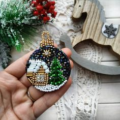 1 million+ Stunning Free Images to Use Anywhere Beaded Christmas Ornaments, Christmas Jewelry, Felt Ornaments, Christmas Crafts, Bead Embroidery Jewelry, Beaded Embroidery, Handmade Christmas Gifts, Beaded Brooch, Brooches Handmade