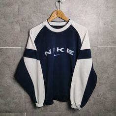 Pull Nike Vintage fr Sportswear Brands Unisex M Vintage Nike Sweatshirt, Sweatshirt Outfit, Aesthetic Hoodie, Aesthetic Clothes, Vintage Sportswear, Sportswear Brand, Sporty Outfits, Cute Casual Outfits, Oldschool