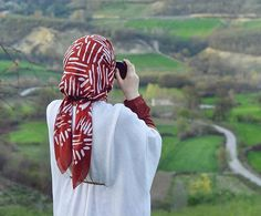 Beautiful Muslim Women, Beautiful Hijab, Hijab Dpz, Islamic Girl, Hijabi Girl, Hijab Chic, Muslim Girls, Girl Photography Poses, Hijab Outfit