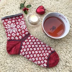 Img_5786_small2 Wool Socks, Knitting Socks, Hand Knitting, Knitting Patterns, Knitting Ideas, Lots Of Socks, Fair Isle Pattern, Colorful Socks, Christmas Knitting