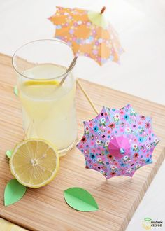 Make your own cocktail umbrellas! Madame Citron shows how. Diy Craft Projects, Craft Tutorials, Crafts For Kids, Projects To Try, Origami Paper Art, Paper Crafts, Decoration Cocktail, Fond Design, Cocktail Umbrellas