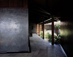 exposed rafters - 0.25 x 0.1 posts?    Tara House – Studio Mumbai