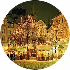 I wish we had Christmas markets in the US like they have in Germany. So much fun!