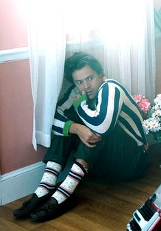 hspics: Harry Styles as Doug the dog for the. - Harry Styles® hspics: Harry Styles as Doug the dog for the. Harry Styles Fotos, Harry Styles Mode, Harry Styles Funny, Harry Styles Pictures, Harry Edward Styles, Harry Styles With Baby, Another Man Harry Styles, Spongebob Funny Pictures, Funny Disney Pictures
