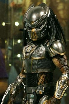 hot toys Fugitive Predator from the new 2018 Movie Predator Costume, Predator Cosplay, Predator Tattoo, Alien Vs Predator, Predator Movie 2018, Sith Costume, Predator Action Figures, Science Fiction, Alien Concept Art