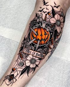 Cute Halloween Tattoos, Spooky Tattoos, Skull Tattoos, Leg Tattoos, Body Art Tattoos, Spooky Halloween, Tatoos, Horror Tattoos, Black And Grey Tattoos