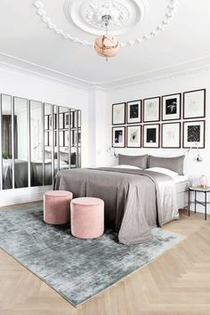 Beautiful bedroom with mirrors that create a larger space. Indie Room Decor, Decor Room, Bedroom Decor, Home Decor, City Bedroom, Home Bedroom, Contemporary Bedroom, Modern Bedroom, Large Bedroom