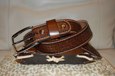 Rodeo via Boia d'un Mond Leather. Click on the image to see more!