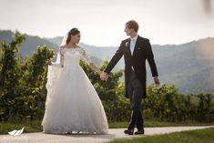 Hochzeit in Dürnstein in der Wachau - Hyerim & Christoph - Roland Sulzer Fotografie GmbH - Blog Lace Wedding, Wedding Dresses, Blog, Fashion, Engagement, Dress Wedding, Wedding Dress Lace, Gowns, Pictures