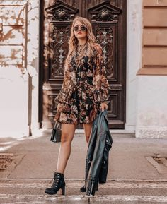 """FASHION & TRAVEL auf Instagram: """"Na, hattet ihr einen schönen ersten Adventsonntag? 💫 Bei mir ist gestern das erste Adventgewinnspiel online gegangen und ich kann euch…"""" German, Bohemian, Instagram, Style, Fashion, Fashion Styles, Outfit Ideas, Deutsch, Swag"""