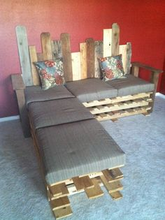 DIY pallet couch with chaise lounge