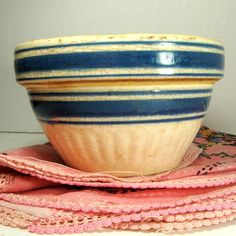 Vintage Chalet Etsy Love: Vintage Crocks, Ringware and Stoneware Bowls Farmhouse Chic is Here to Stay<br> Antique Crocks, Old Crocks, Stoneware Crocks, Antique Stoneware, Vintage Bowls, Vintage Dishes, Vintage Kitchenware, Vintage Pyrex, Vintage Pottery