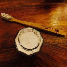 #ZeroDechet : recette de dentifrice naturel et home made Carbonate De Calcium, Zero Waste, Cosmetics, Homemade, Beauty Recipe, Home Made, Natural Toothpaste, Natural Beauty Recipes, Hand Made