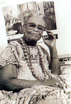 Mãe Menininha do Gantois Orisha, Animation Portfolio, Black History Facts, Black People, Salvador, Statue, Black And White, Authors, African History