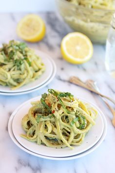 Creamy Avocado and Gouda Cheese Pasta by halfbakedharvest: If you don't have gouda cheese swap in parmesan that would be awesome too! You could even make this vegan by skipping the cheese - Use GF pasta! Pasta Recipes, Dinner Recipes, Cooking Recipes, Cheese Recipes, Cooking Tips, Dinner Ideas, Queijo Gouda, Creamy Avocado Pasta, Vegetarian Recipes