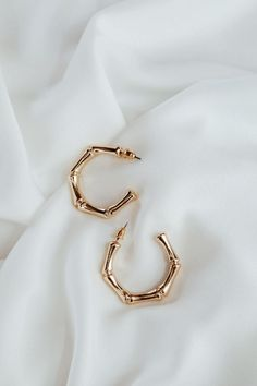 Catra Earrings DETAILS SIZING & CARE Elevated Hoops for a fancy classic touch. - Gold-plated alloy FIT - One Size CARE - Keep jewelry dry at all times, always avoid contact with chemicals. Keep Jewelry, Dainty Jewelry, Cute Jewelry, Vintage Jewelry, Jewelry Accessories, Jewelry Necklaces, Women Jewelry, Fashion Jewelry, Gold Jewelry