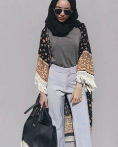 (@khaininakhalil) Modern Hijab Fashion, Hijab Fashion Inspiration, Islamic Fashion, Muslim Fashion, Mode Inspiration, Modest Fashion, Unique Fashion, Love Fashion, Fashion Outfits