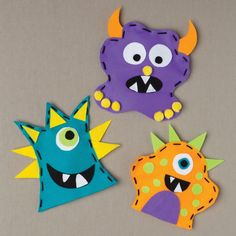 Make these fun puppets with your younger child (check mark for crafting together time), or encourage your young teenager and her friends to make these charming puppets for the kids they babysit. What a party! Arrange the faces and colors any way you li