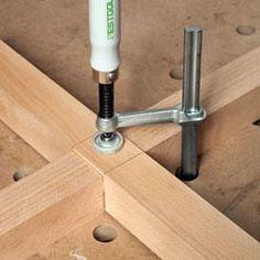 assemblage de 2 pièces de bois à mi-bois
