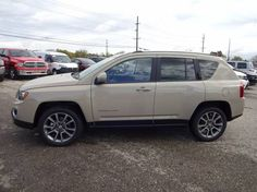 It's #FeaturedFriday! The 2017 Jeep Compass Latitude 4x4 SUV is fully equipped with everything YOU need to get you where you want to be. Test drive! #WeCan #LebanonOhio
