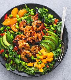 Mango Mandarin Sesame Shrimp Salad Recipe by: @cremedelacrumb1 . Full recipe with directions can be found on @cremedelacrumb1's blog. Direct link is in her bio! . Ingredients: 1½-2 pounds uncooked shrimp shelled and deveined, tail-on is okay) 8 cups chopped romaine or green leaf lettuce 1 avocado, pitted and thinly sliced 1 large mango, diced ½ cup mandarin oranges 1 red bell pepper, diced ⅓ cup shelled edamame ¼ cup cilantro, roughly chopped sesame seeds, for topping (optional)…