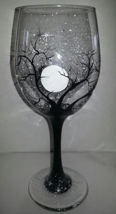 33 trendy diy christmas mugs paint wine glass - Wine Bottle Crafts Christmas bottle crafts halloween diy bottle crafts halloween holidays bottle crafts halloween witch Halloween Wine Glasses, Diy Wine Glasses, Decorated Wine Glasses, Hand Painted Wine Glasses, Painted Wine Bottles, Halloween Wine Bottles, Sharpie Wine Glasses, Painting On Wine Glasses, Wine Glass Crafts