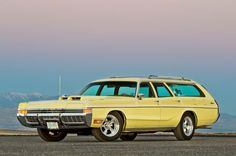 1972 Dodge Monaco Wagon, gonna use this as a reference for my book