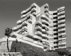 2 Photos, Multi Story Building, Explore, Architecture, Arquitetura, Architecture Design, Exploring