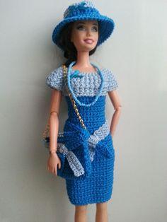 vêtement poupée mannequin Barbie (353)
