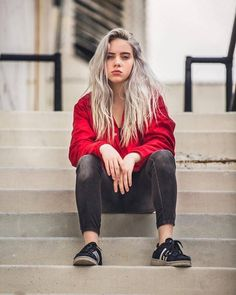 How Billie Eilish & Other Celebs Style Black Jeans – Famous Last Words Josepa SkinCare Oily Skincare Routine Products From The Sea💕 josepaskincare Celebs famous celebrities I like+ How Billie Eilish & Other Celebs Style Black Jeans - denim jeans, bl Billie Eilish, Hottest Female Celebrities, Celebs, Black Celebrities, Black And White Outfit, Videos Instagram, Mein Style, Black Denim Jeans, Outfit Jeans