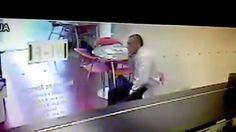Este señor es experto en robar celulares de alta gama en Medellin esta a...